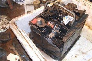 cháy cọc bình ắc quy có thể gây nổ bình