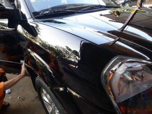 Đánh bóng ô tô tạo Wax