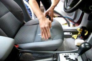 Dọn nội thất ô tô - dịch vụ chuyên nghiệp tại Hà Nội