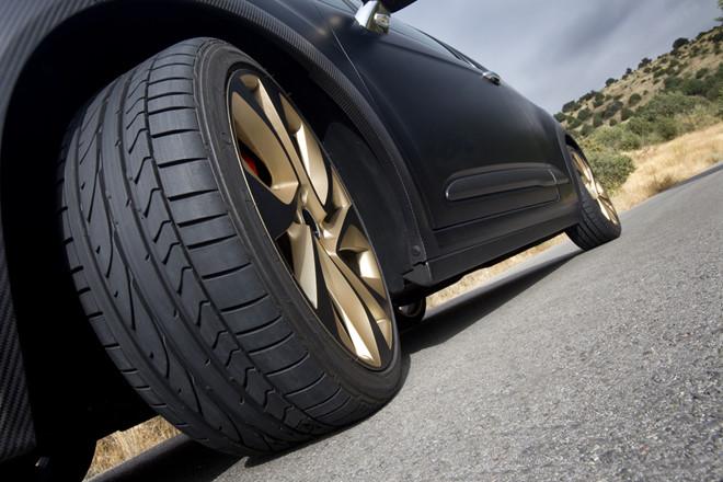 lốp xe ô tô là một bộ phận vô cùng quan trọng đối với người lái