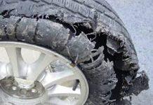 Lốp xe bơm sai áp suất có thể gây ra tình trạng mài mòn lốp quá nhanh, tiêu tốn nhiên liệu hoặc tồi tệ hơn là nổ lốp, gây mất an toàn.