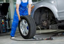 Lốp xe di chuyển lâu ngày sẽ không tránh khỏi bị xẹp hoặc bị thủng khi đâm phải vật nhọn trên đường vì thế việc bơm xe rất thiết thực